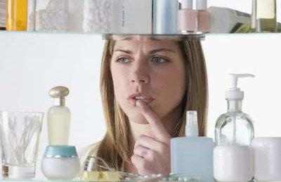ТОП мифов о декоративной косметике