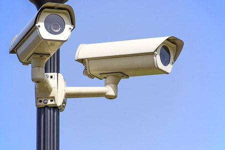 Школьные камеры научат распознавать лица