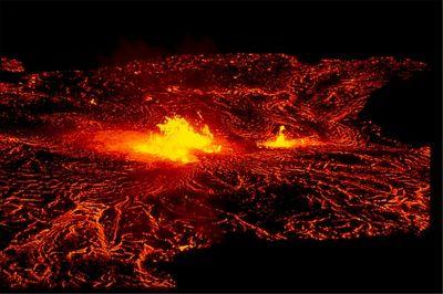 Ключевской вулкан выбросил столб пепла на6 километров