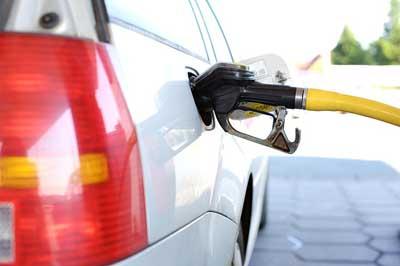 Цены набензин приблизились котметке в40 руб.